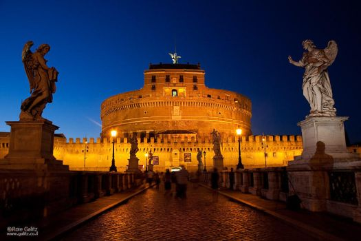 Yin and Yang in Rome by RoieG