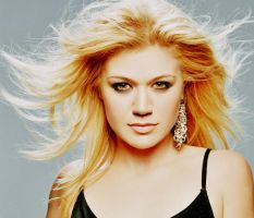 Kelly Clarkson. by Hunterenchanted
