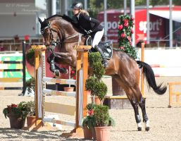 OESTM Jumping_46 by CalyHoney