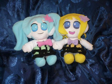 Cheerful Candy Rin and Cheerful Drop Miku plush by VickyJ