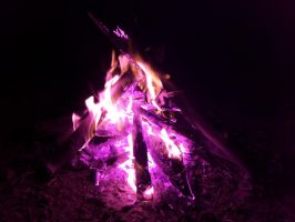 Campfire in IR by thypentacle