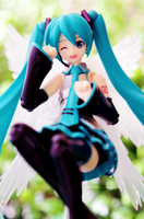 Miku - Flying around by Bellechan