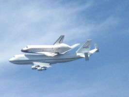 Space shuttle fly over 4 second shot by FullmetalDevil