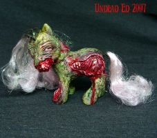 My little ZOMBIE Pony  OOak by Undead-Art