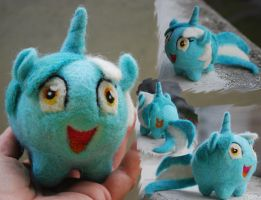 Needle Felted Lyra Chubby by MaijaFeja