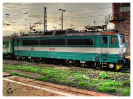 Green Train HDR by Bieniek