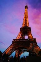 Eiffel Tower by lemonyellowsun