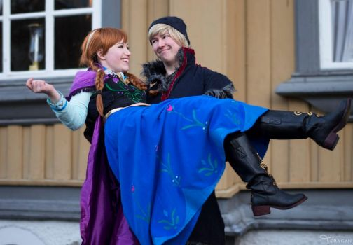 Anna and Kristoff by Lumacosplay