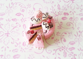 Polymer Clay : Real Pink Cake by CraftCandies