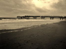 Pier of the past by samrizzo