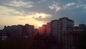Sunset in the city by decode-my-mind