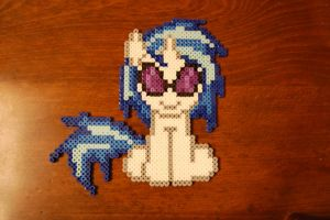 Vinyl Scratch/DJ PON3 by BrohoofsUnited