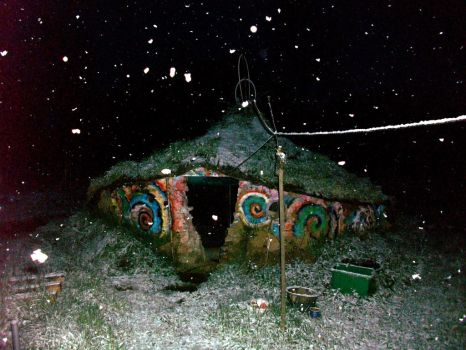 celtic house, sometimes it snow in may by gangahimalaya