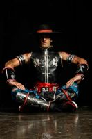 The Mighty Kung Lao - Mortal Kombat 9 Cosplay by LeonChiroCosplayArt