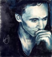 Tom Hiddleston by XxYaoi-ADDICTxX