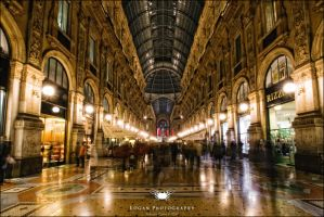 Milan, Gallery, a day in H. L. by LoganX78