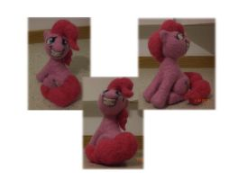 Pinkie Pie (Needle-felted) by Holcifio