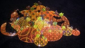 Holographic Pumpkins by toxiclysweet