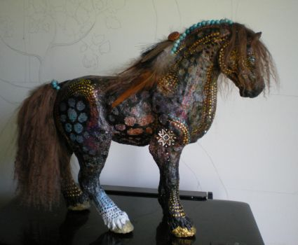Sky Dreamer~paper mache horse by Shadowind
