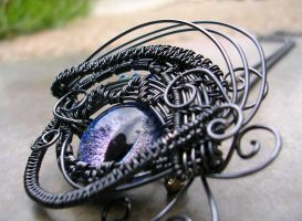 Wire Wrap - Eye Blue Violet Pendant Super Shift 2 by LadyPirotessa