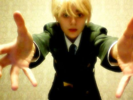 Hetalia England : Let me lift you up by 13robyn13