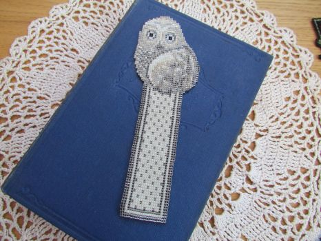 Owl Bookmakr by Autumn-beads