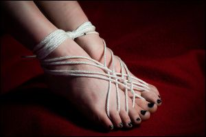Foot Cage by nikongriffin
