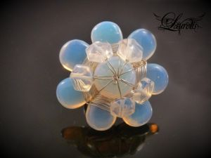 Flower ring by Laurelis