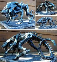 Xenomorph Alien Queen Sculpture by DragonSpirit469
