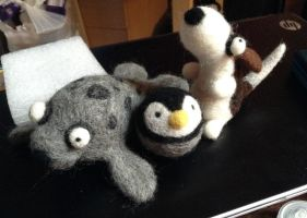 Needle felted critters by MooshuFezrit