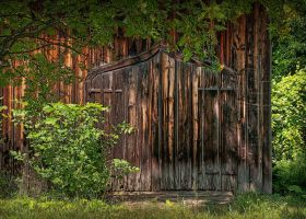This Old Barn by Nikonoclaste