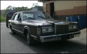 84' Lincoln Town Car by Mister-Lou