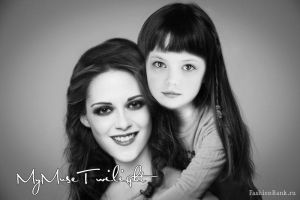 Bella and Renesmee by MyMuseTwilight