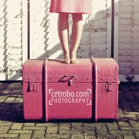 MY PINK SUITCASE by cetrobo
