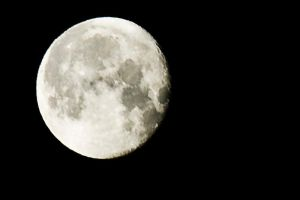 Full Moon by CaosSpain