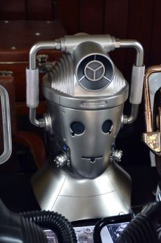 Concept Cyberman Helmet by masimage