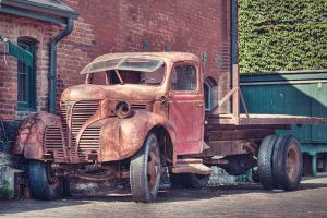 Old truck by FriendlyPiranha