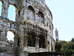 Gladiator arena at Pula 2 by Taxifree