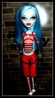 Ghoulia against the wall by gorgonbreath