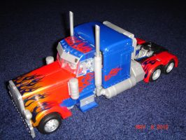 T2 Optimus Prime Vehicle Mode by kilp007
