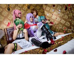 Vocaloid-Madness of Duke Venomania by josephlowphotography