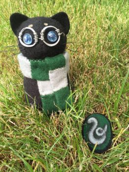 Slytherin kitten #2 and brooch by Rasa-chi