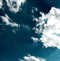 cloude 2 by SushiQuak