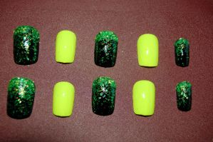 yellow and black nail art by Coall