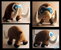 Mamoswine plushie by Eyes5