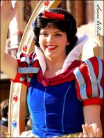 Snow White in Stars'n'Cars by Cassiopeeh
