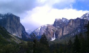 Tunnel View at Yosemite by Geotripper