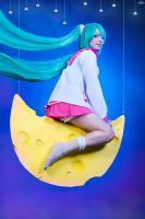 Miku by RianaG