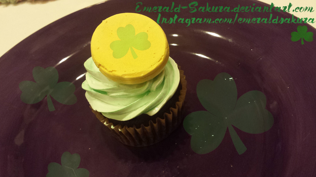 St. Patrick's Day Cupcake by Emerald-Sakura