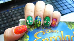 Tangled nails by tharesek